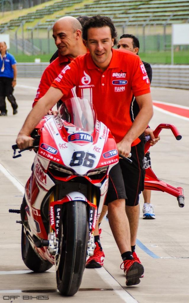 La Ducati Panigale de Ayrton Badovini. (Photo : ©OffBikes)