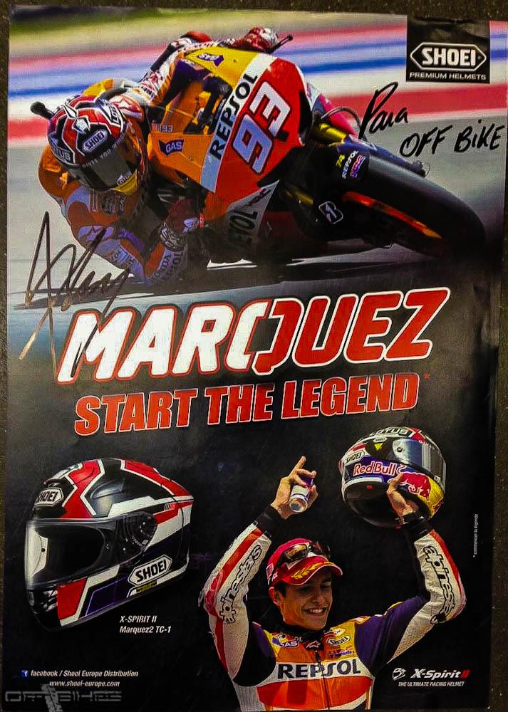 Poster dédicacé par Marc Marquez lors de l'événement Shoei organisé dans le magasin Maxxess Bordeaux.