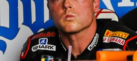 Sam Lowes, les yeux rivés sur les chronos. (Photo : ©OffBikes)