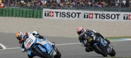 Esteve Rabat et Johann Zarco à la lutte pour une place sur le podium. (Photo : Team Tuenti HP 40)