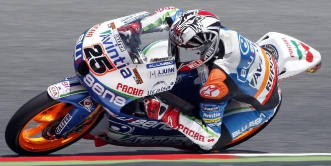 Viñales qui mène lors du GP des Pays Bas en 2012, lors de la course Moto3.