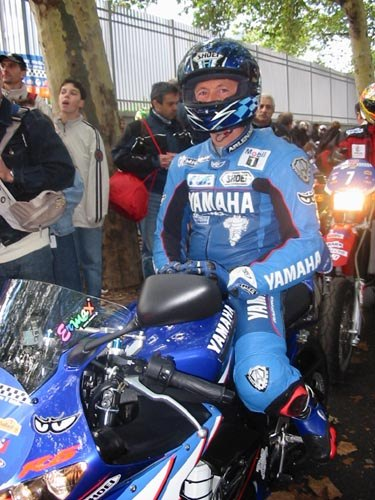 Dominique Sarron lors du Moto Tour 2003 ( Photo : Yamaha)