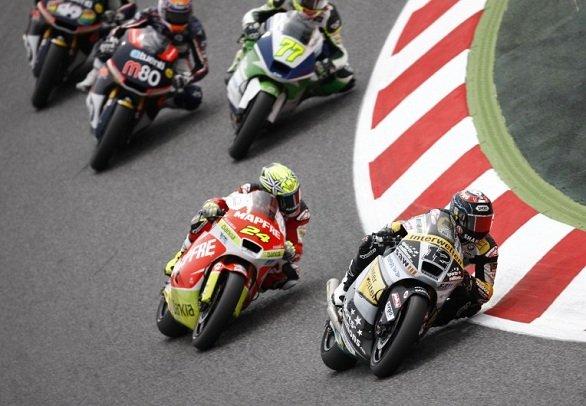 Tom Luthi aux commandes durant la course Moto2 lors gdu Grand Prix de Grande Bretagne en 2012 (Photo : motosblog.fr)