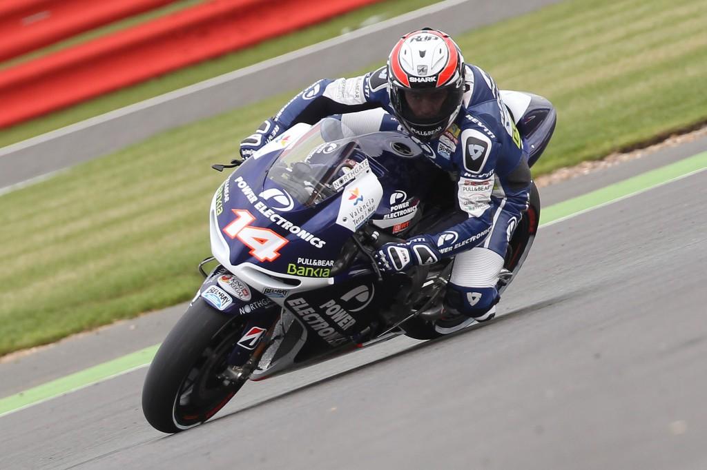 Randy DePuniet durant la course MotoGP lors du GP de Grande Bretagne en 2012 (Photo : belrayracing.com)