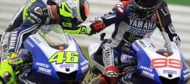 Valentino Rossi et Jorge Lorenzo à l'arrivée de la course. (Photo : Yamaha MotoGP)