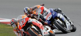 Marc Marquez devant Jorge Lorenzo et Dani Pedrosa. Une épaule blessée pour chacun d'entre eux. (Photo : Honda Repsol).