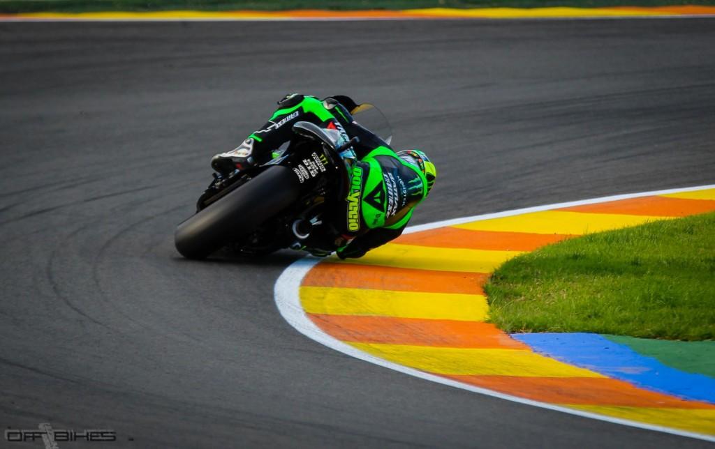 Pol Espargaro découvre la Yamaha M1 et pointe déjà à seulement 1.3 seconde du meilleur temps de Marc Marquez. (Photo : Thomas/OffBikes).