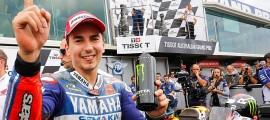 Jorge Lorenzo ne lâche rien et se relance dans la course à la couronne mondiale. (Photo : Yamaha Motor)