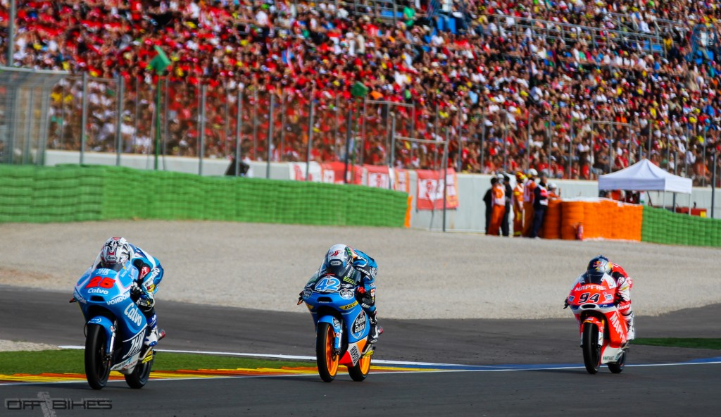 Maverick Viñales, Champion du Monde Moto3. Alex Rins devra s'incliner. (Photo : Thomas/OffBikes)