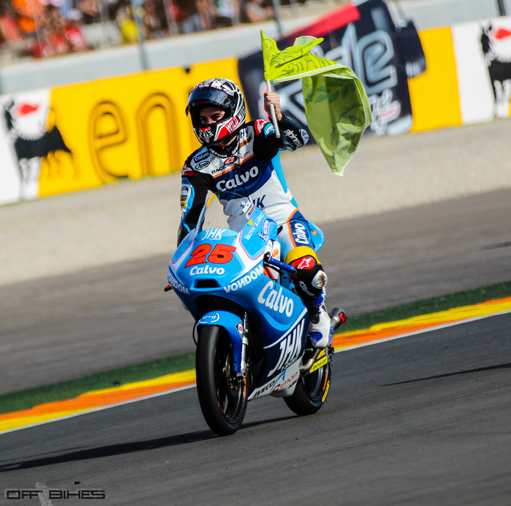 Maverick Viñales est Champion du Monde Moto3 2013. (Photo: Thomas/OffBikes).