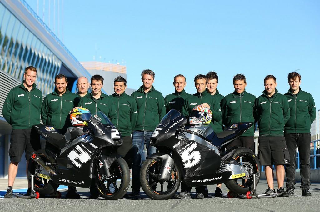 L'équipe Caterham Moto2 (Suter) au complet composée de Josh Herrin, Johann Zarco, Johan Stigefelt (Team Manager) et Laurent Fellon. (Photo : Caterham Moto2)