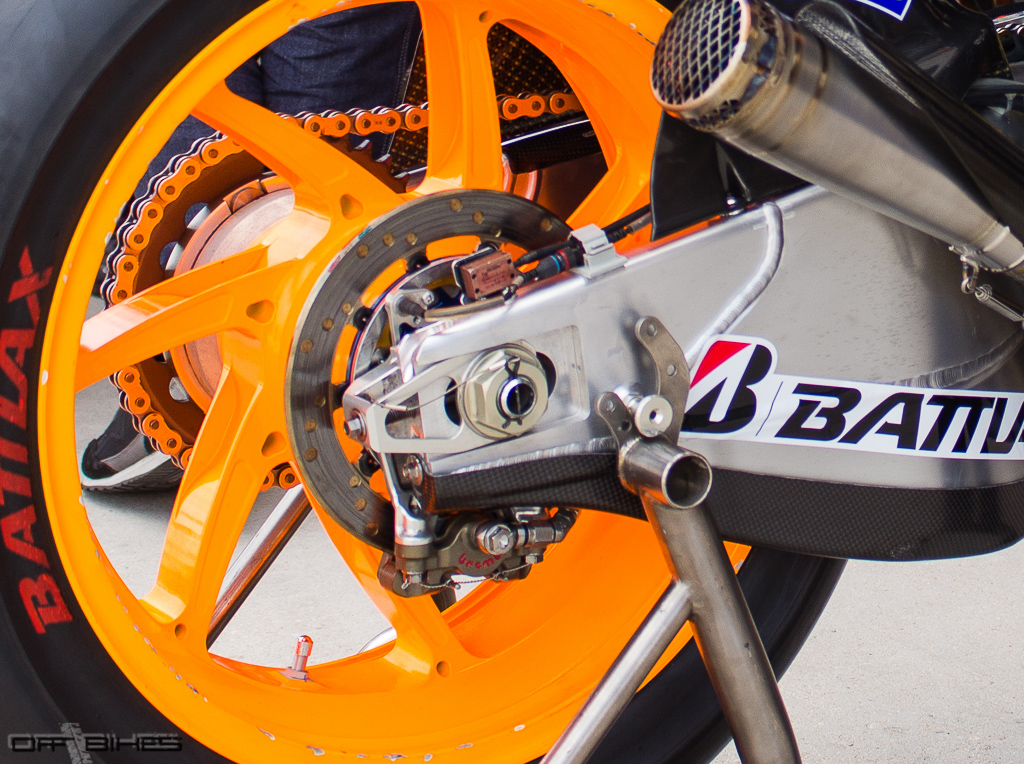 "Le capteur de ""Traction Control"" sur la Honda RC213V de Dani Pedrosa à Aragón. (Photo : OffBikes)"