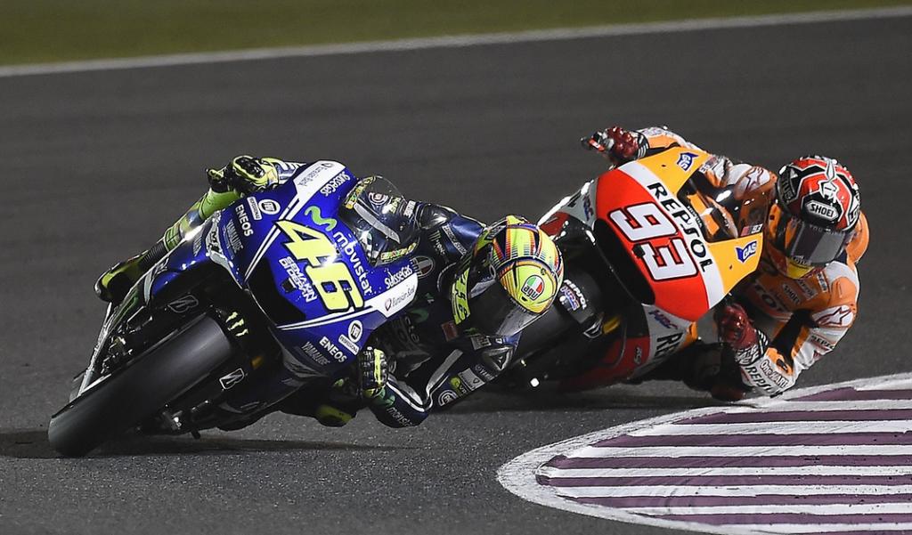 La passe d'armes entre Valentino Rossi et Marc Marquez, l'image de ce dimanche de course. (Photo : Yamaha MotoGP)