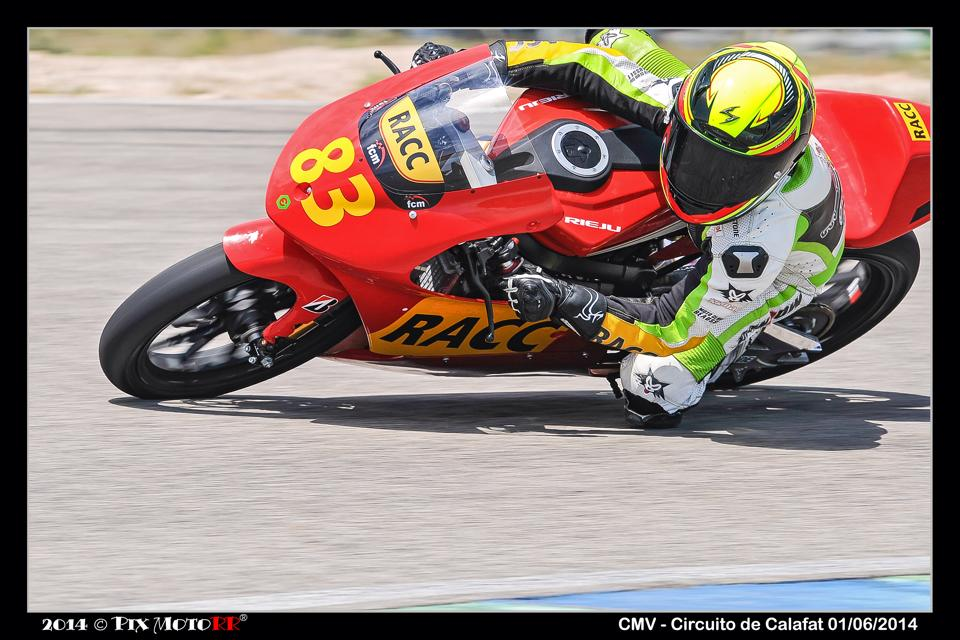 Aurel Nyul-Verlaque au guidon de la Rieju RS3 sur le circuit de Calafat. (Photo : Pix Moto)