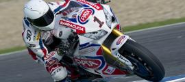 Nouvelle équipe et nouvelle moto pour le Champion du Monde en titre Sylvain Guintoli. (Photo : Pata Honda)