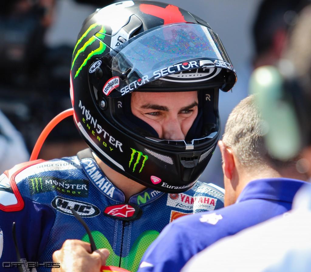 Jorge Lorenzo revient à 14 points de Valentino Rossi avant la tournée outremer.
