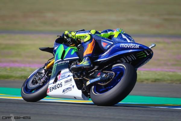 Valentino Rossi se hisse sur le podium après une remontée depuis la 7e place.
