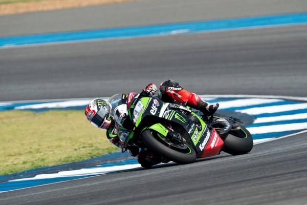 Jonathan Rea s'impose une fois de plus cette saison, sa 41e au total. (Photo : Kawasaki Racing EU)