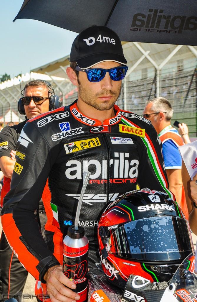 Sylvain Guintoli casse son moteur en Course 1, il se rattrape avec une belle 3ème place dans la seconde. (Photo : ©OffBikes)