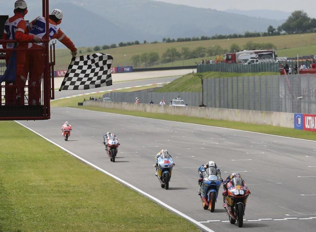 L'arrivée de la catégorie Moto3. (Source : Derapate.it)