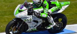 Andrea Antonelli sur le circuit de Donington cette saison. (Photo : Site Andrea Antonelli)