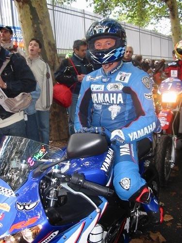 Dominique Sarron lors du Moto Tour 2003 ( Photo : Yamaha)