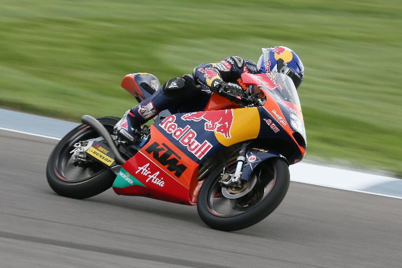 Luis Salom, victime d'une grosse chute en début de séance ne peut qu'assurer la 10ème place sur la grille. (Photo : Ajo Motorsport)