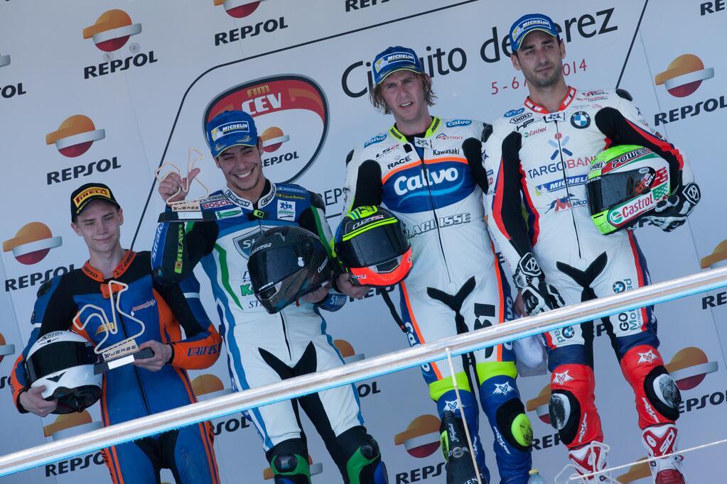 Carmelo Morales, Santiago Barragan, Ivan Silva terminent sur le podium. Eeki Kuparinen est le premier pilote privé. (Photo : Team Calvo)