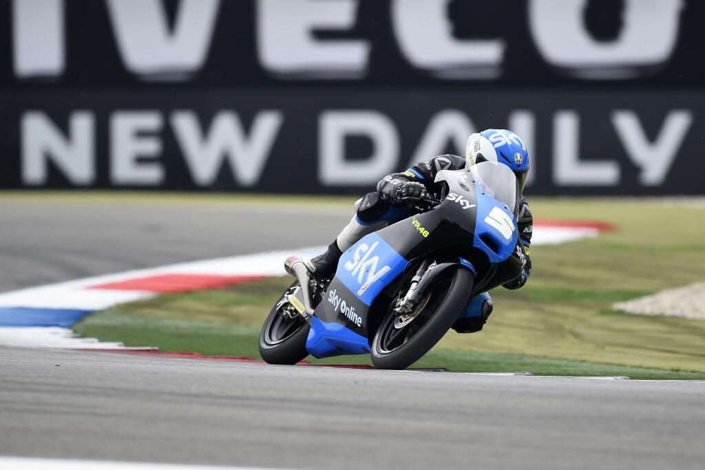 Une erreur au premier tour et une chute en mileu de course empêchent Romano Fenati de récupérer de gros points au Championnat. (Photo : SKY VR46)