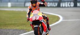 Malgré les conditions chaotiques, Marc Marquez signe une nouvelle victoire. (Photo :  Honda Repsol)
