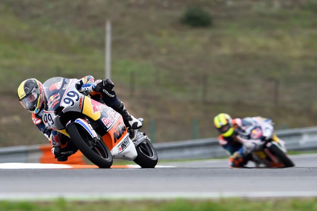 Enzo Boulom réalise sa meilleure prestation de la saison : 8ème en qualifications, 10ème en course 1 puis 6 en course 2. (Photo : Red Bull MotoGP Rookies Cup)