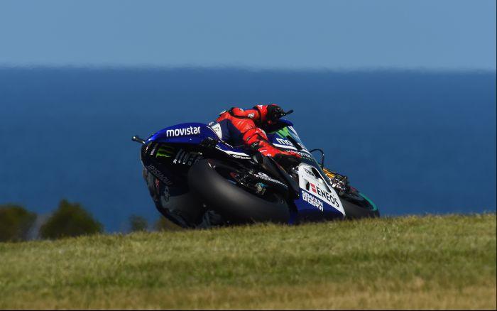 En s'imposant durant au cumul des trois séances libres, Jorge Lorenzo veut battre Valentino Rossi et Dani Pedrosa demain. (Photo : Yamaha MotoGP)