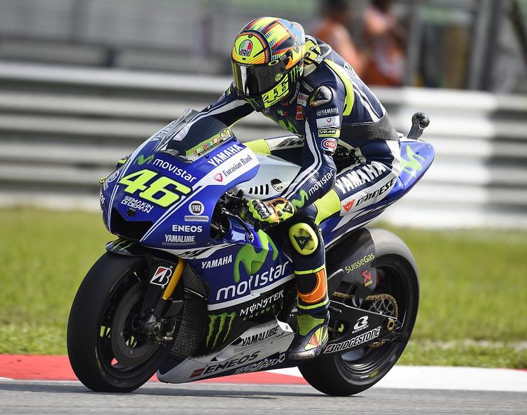 Après avoir longtemps été dans le roue de Marquez, Valentino Rossi conforte sa 2ème place et accroit sont avance pour le titre de vice-champion. (Photo : Yamaha MotoGP)