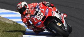 À Motegi, Andrea Dovizioso signe la première pole pour Ducati depuis celle de Casey Stoner à Valencia en 2010. (Photo : Ducati)