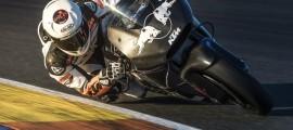 Mika Kallio a bouclé ses premiers tours de roue sur la RC16 à Valencia. (Photo : KTM Racing)
