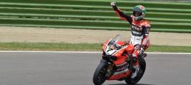 Chaz Davies offre une 15e victoire à Ducati à Imola. (Photo : Ducati)